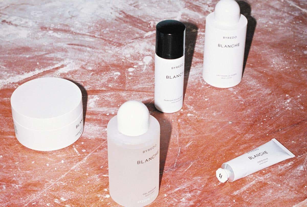 關於 BYREDO Blanche 返樸歸真:5款從髮絲至肌膚染上溫柔氣息,詮釋溫柔內斂